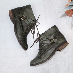 Steve Madden Stinnger Green Ankle Lace Up Booties
